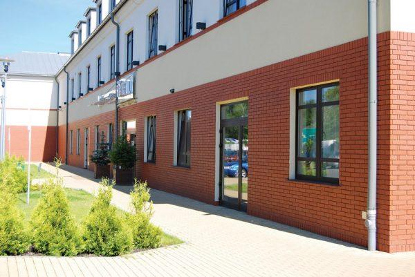 Rubinrote Hausfassade