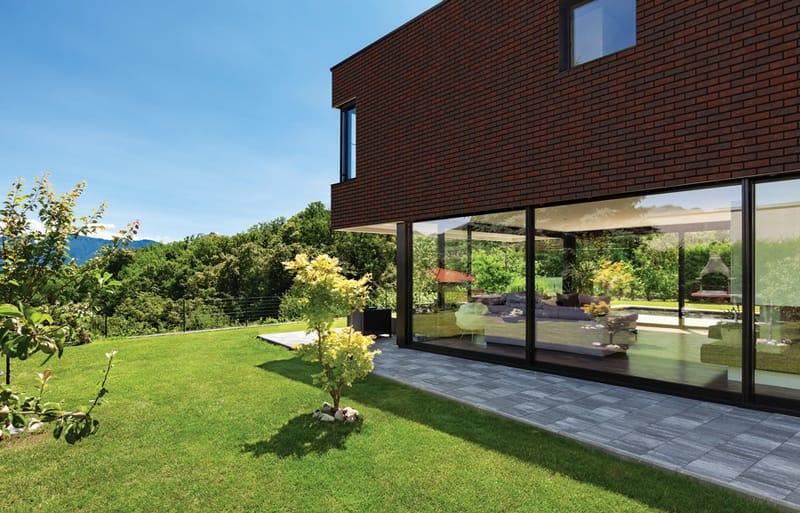 Klinkerfassade mit Handform Riemchen strukturiert und Winkelriemchen strukturiert Altes Haus