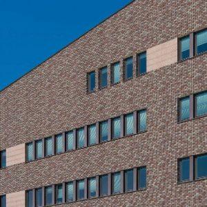 Klinkerfassade mit Backsteinriemchen und Winkelriemchen und Winkelriemchen gesintert Templerschatz