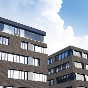 Klinkerfassade mit Handform Riemchen grau braun Grausatin